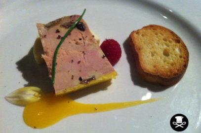 Foie casero con pan de masa madre de Saturio (Baserri maitea)