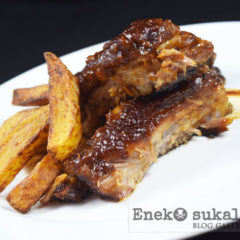 Costillas de cerdo al horno con salsa barbacoa thai