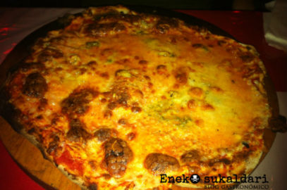 El korral de la Patxeka Bar pizzeria (Lekeitio – Bizkaia)