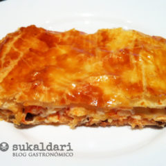 Empanada de salmón con cangrejos - Eneko sukaldari