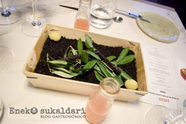 Aceitunas y vermut de Zerratia