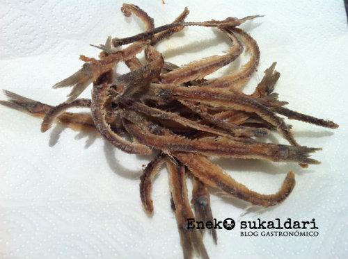 Espinas de anchoa fritas. Aperitivo del Celler Can Roca