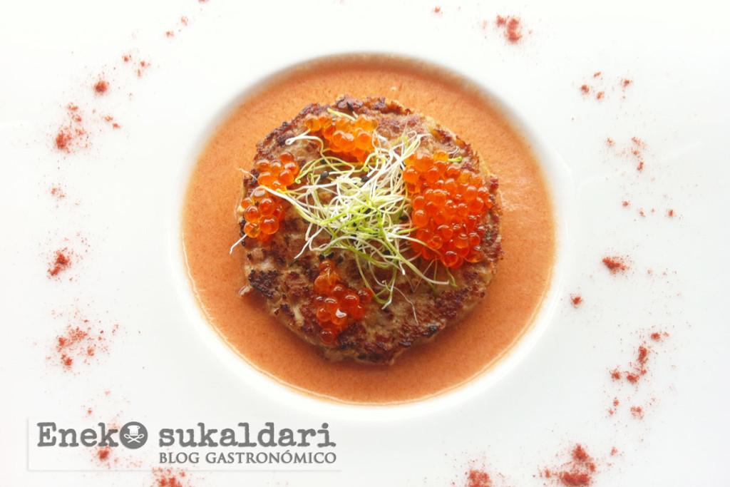 Hamburguesa de atún con emulsión de tomate - Eneko sukaldari