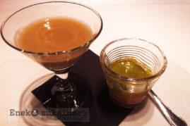 Chupito de hongos, con cuajado de bogavante y espuma de espinacas