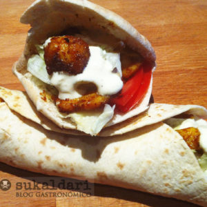 Kebab de pollo casero