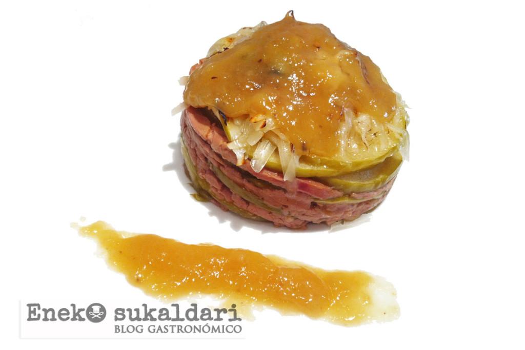 Milhojas de foie y manzana con Idiazabal y salsa de uvas al txakoli
