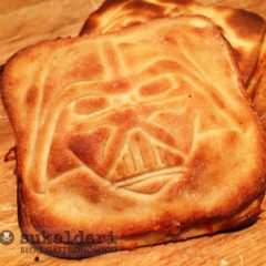 Pizza calzone Darth Vader