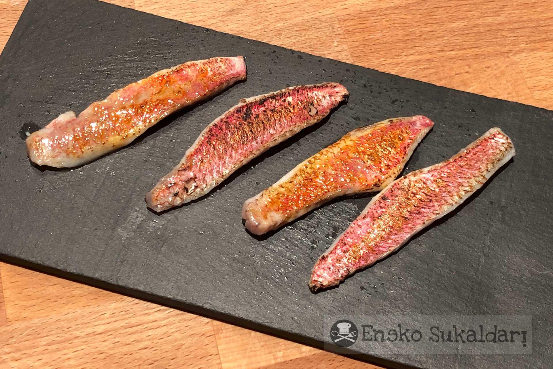 Salmorejo con salmonetes asados y trufa - Receta - Eneko sukaldari