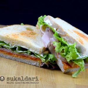 Sandwich del ENE (mi versión del sandwich del EME)