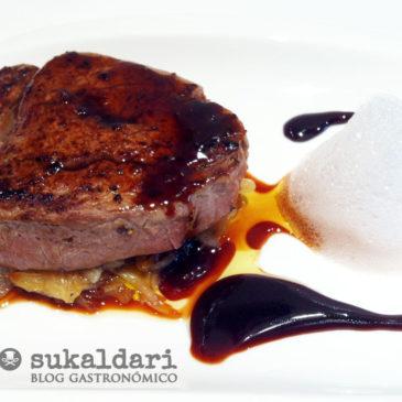 Solomillo con salsa de oporto y aire de patxaran - Eneko sukaldari