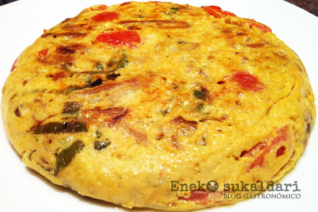 Tortilla de verduras con pan tumaca
